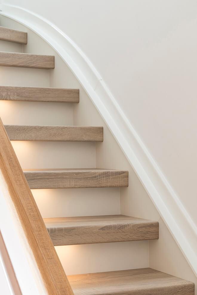 Traprenovatie - Romantische stijl - san diego oak - trap